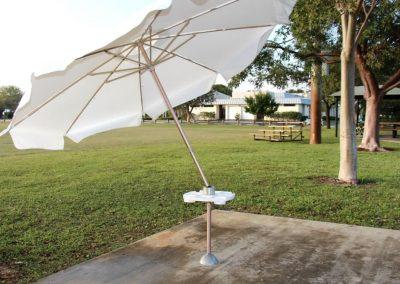use-itt-best-beach-patio-porch-deck-tailgate-umbrella-for-wind-21