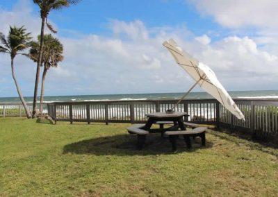 use-itt-best-beach-patio-porch-deck-tailgate-umbrella-for-wind-4