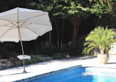 use-itt-best-beach-pool-umbrella-for-wind-1